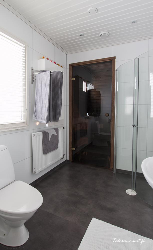Kylpyhuone Älvsbytalo